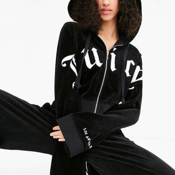 fe1785990443 Juicy Couture x Urban Outfitter Cropped Zip Hoodie.  M 5a9dcc601dffda96c8f10dfa